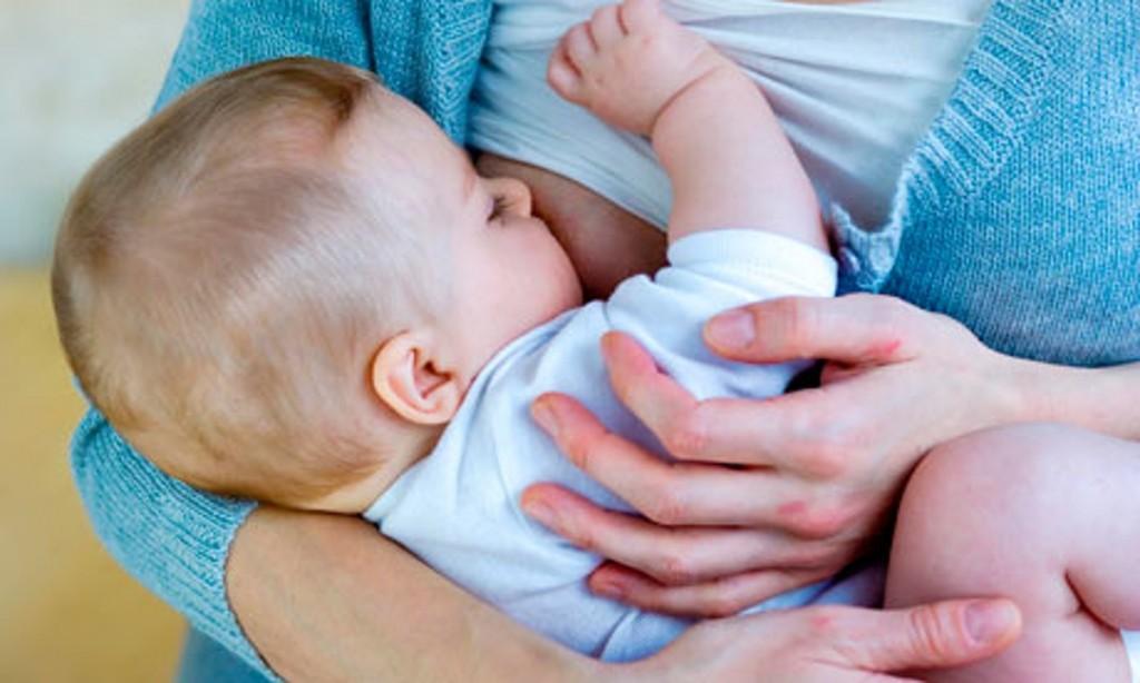 Breast-Feeding-007