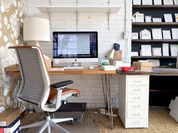 hellotenfold-desk-600x450